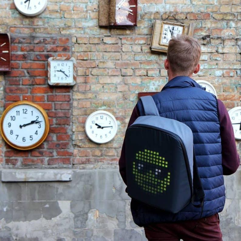 smart led backpack 2
