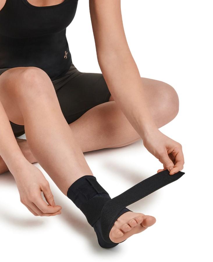 adjustable ankle compression brace 4