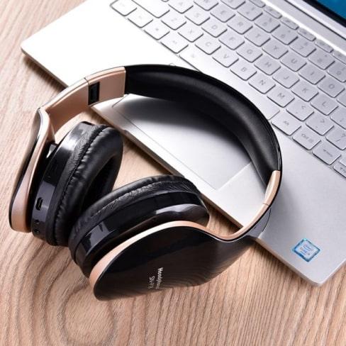 wireless foldable gaming headphones 13